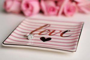 zdjęcie pierścionka zaręczynowa